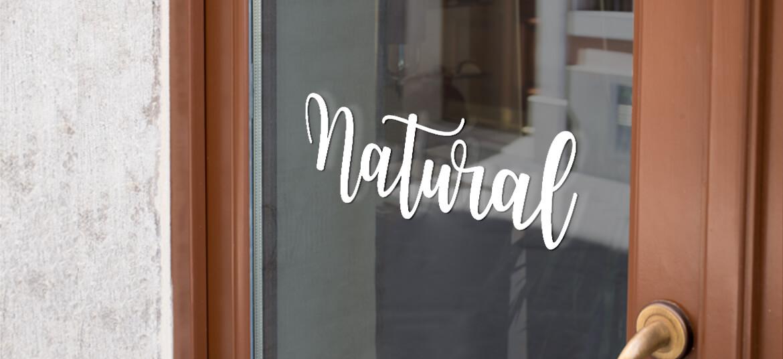 לוגו Natural לדלת