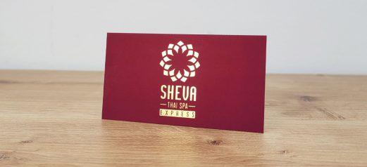כרטיס ביקור אדום עם זהב
